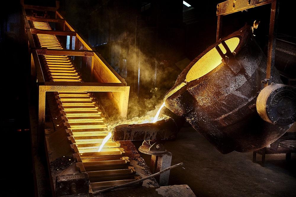 نجفی: مشکل تولید فولاد در کشور به قطعی برق ارتباطی ندارد